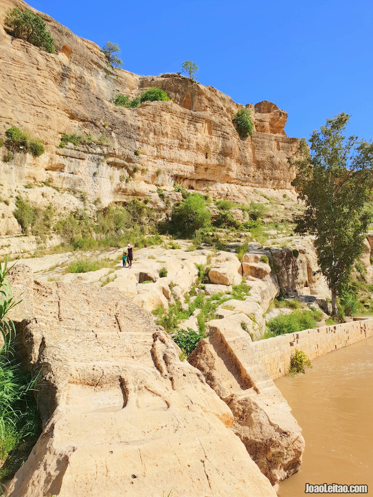 Visit rock reliefs at Khaniss in Iraqi Kurdistan