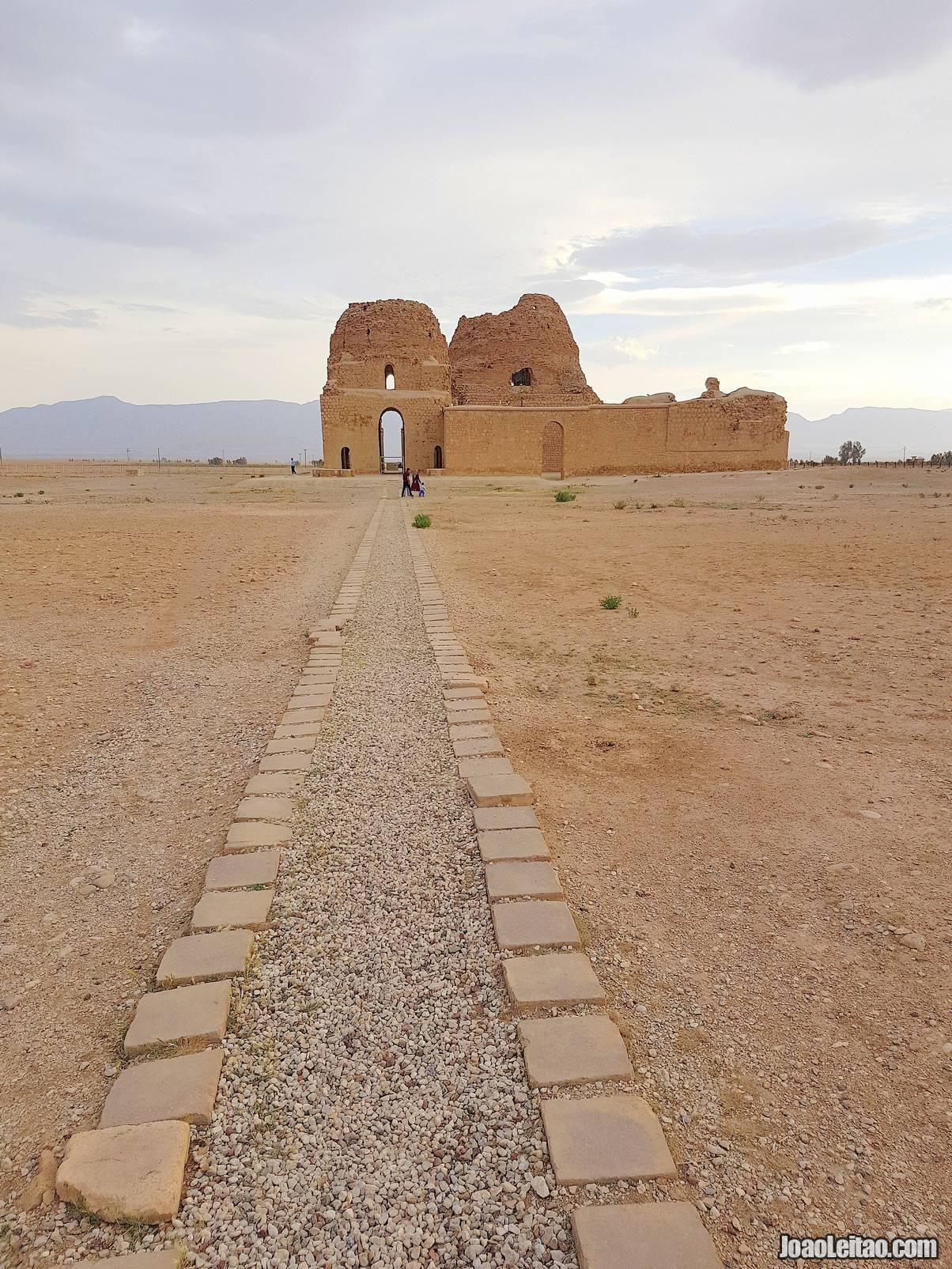 Visit Sarvestan Palace in Iran
