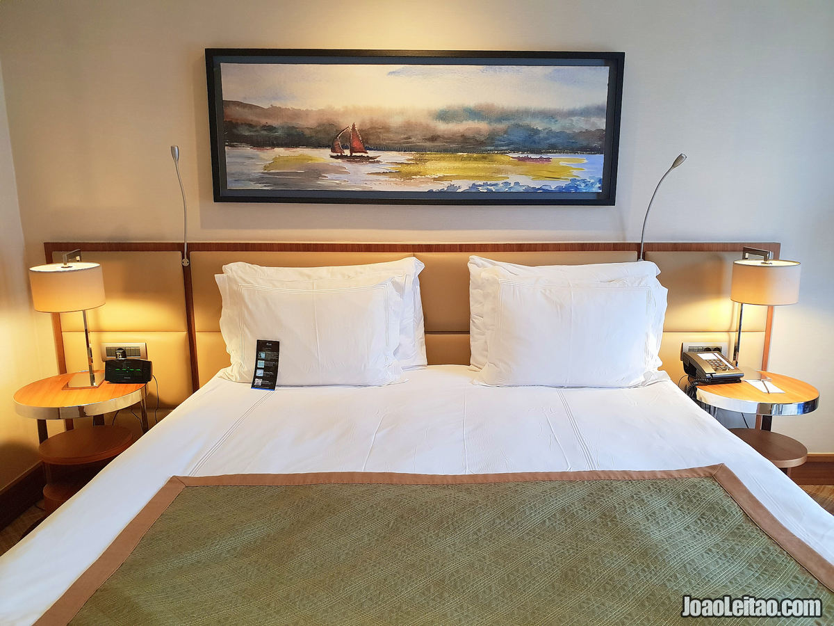 HOW TO BOOK A HOTEL ONLINE